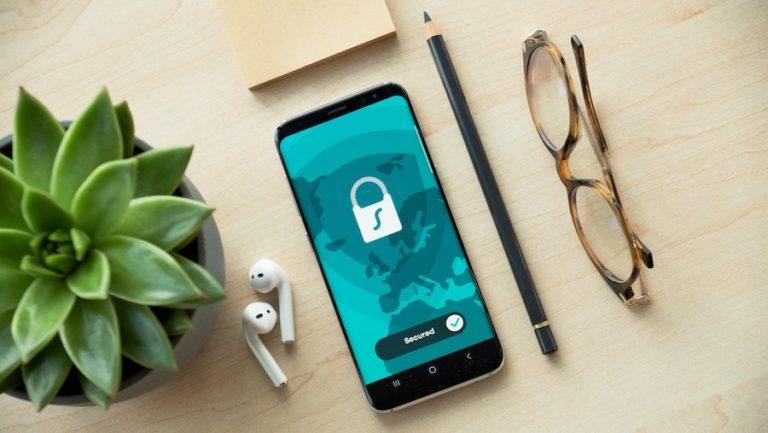 Mobil chráněný bezpečným heslem